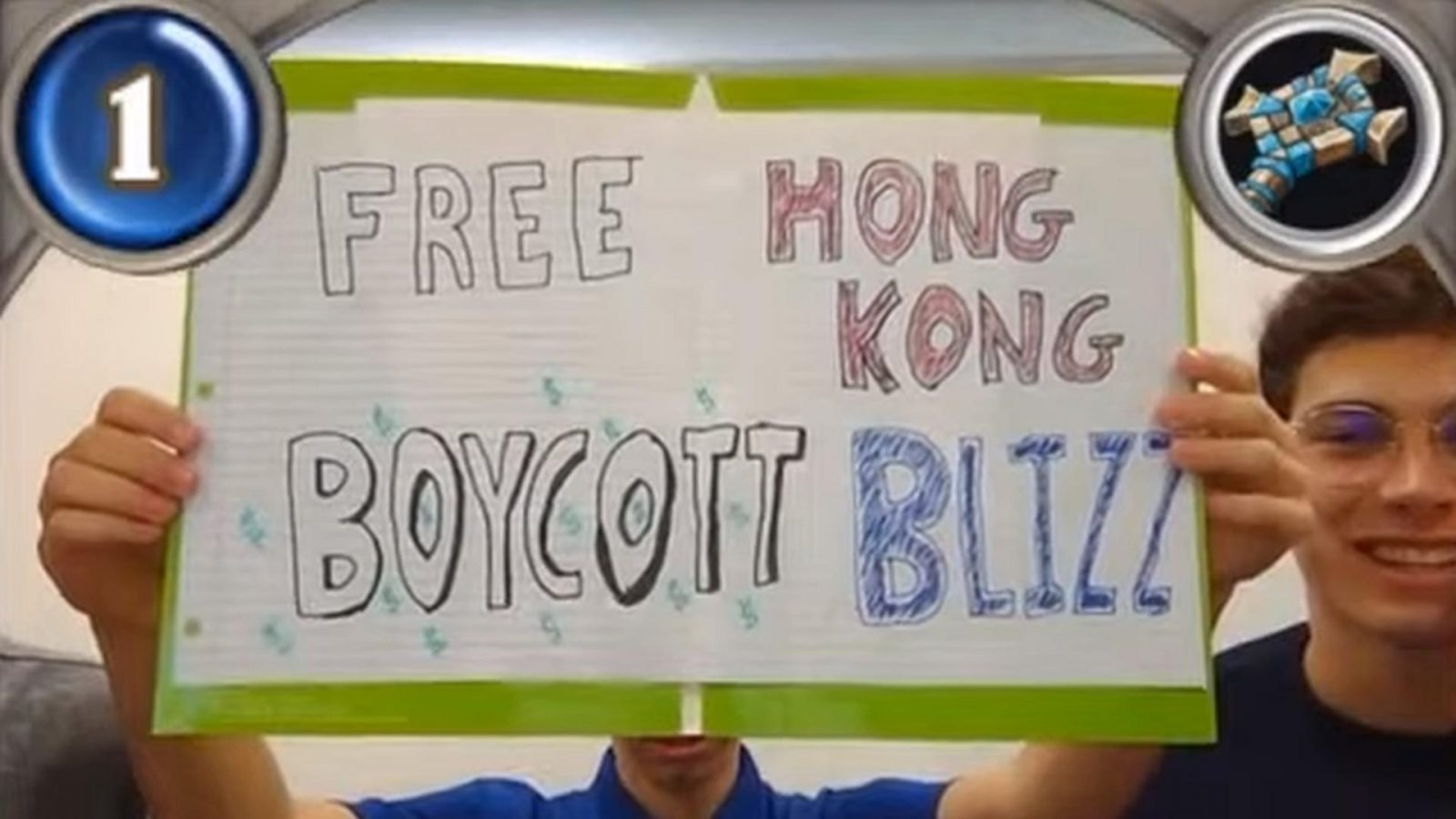 Collegiate Hearthstone Players Hold Up 'Free Hong Kong Boycott Blizzard' Sign During Match [Update]