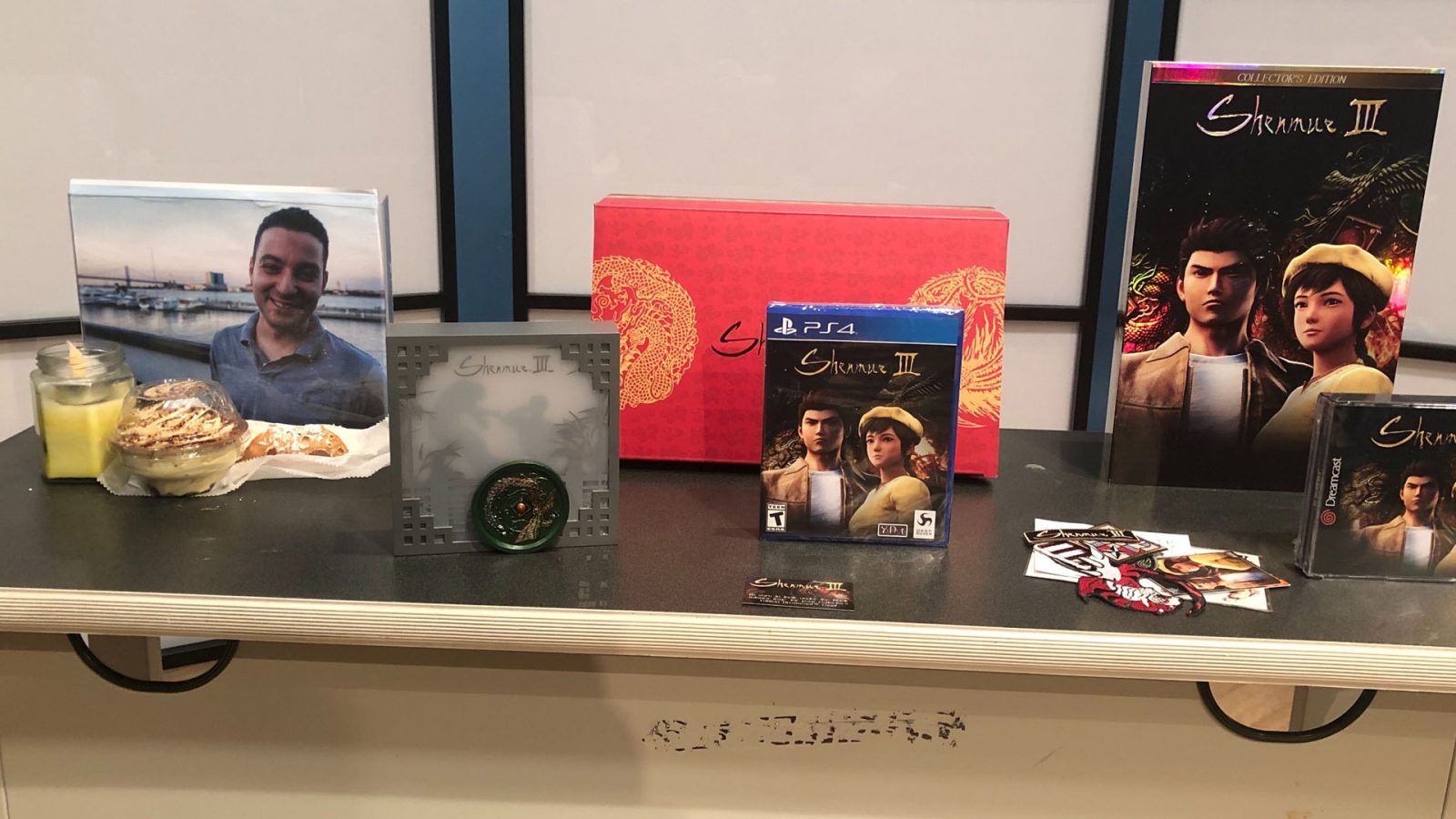 What's in the Box?! – Shenmue 3 Collector's Edition Unboxing