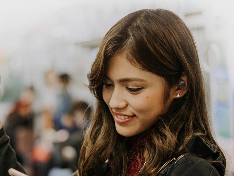 Creative Outlier Air earbuds