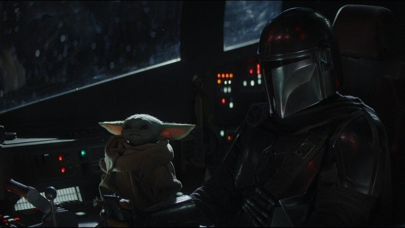 The Mandalorian and Baby Yoda/The Child in Episode 4