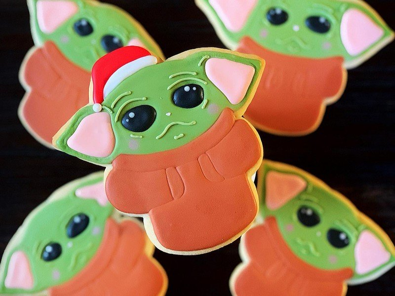 Baby Yoda desserts are a thing now