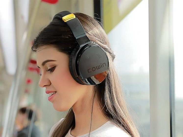 Cyber Monday makes it so that you don't have to pay hundreds of dollars to get noise canceling headphones