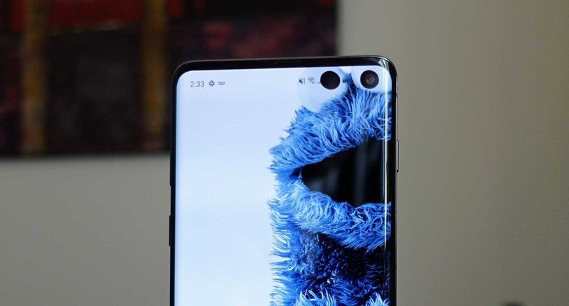 Best Galaxy S10 and S10+ Hole-Punch Wallpapers in 2019