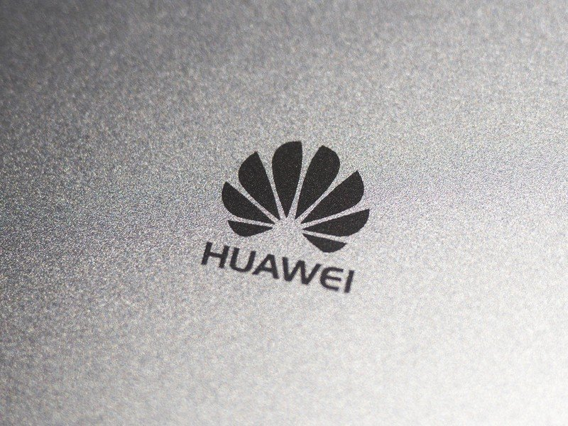 Huawei trduges along despite U.S. pressure, will sell 230M phones this year