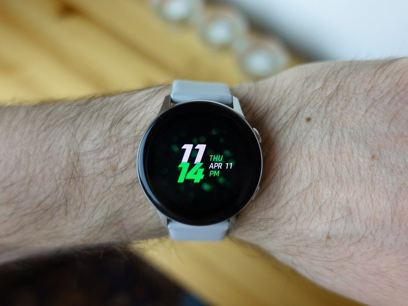 Galaxy Watch Active vs. Apple Watch Series 3: Which should you buy?