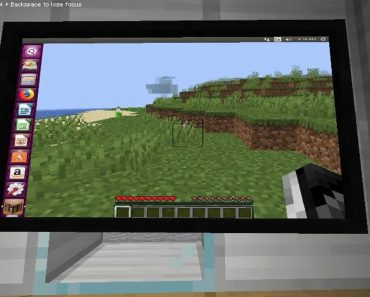 This Minecraft mod allows you to play Minecraft on a PC in Minecraft