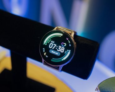 Samsung Galaxy Watch Three revealed in all its glory in hands-on video